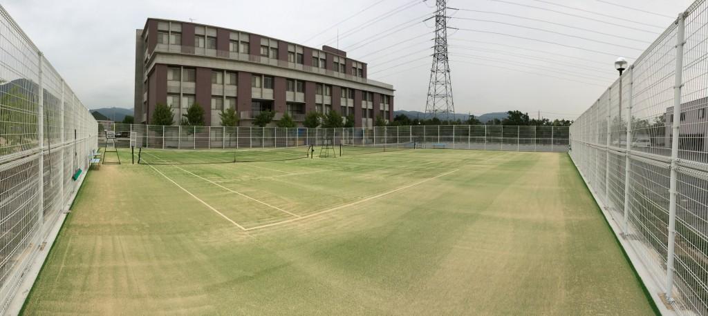関西福祉大学テニスコート